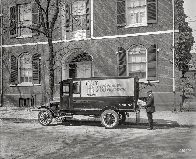 Banner Laundry: 1925