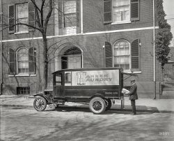 Banner Laundry: 1925