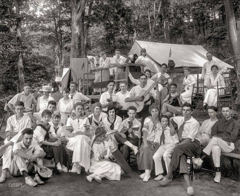 Klassy Kamp: 1915