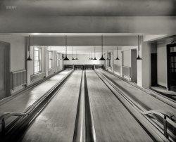 Matzo Bowl: 1926