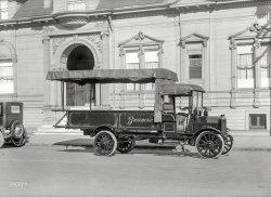 Breuner's Furniture: 1919