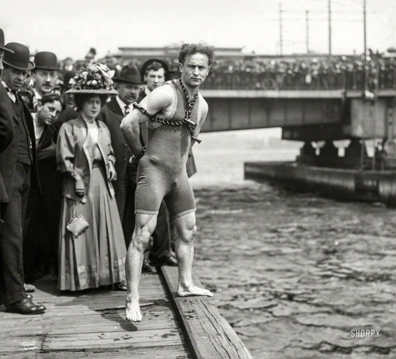 Houdini Swims: 1908