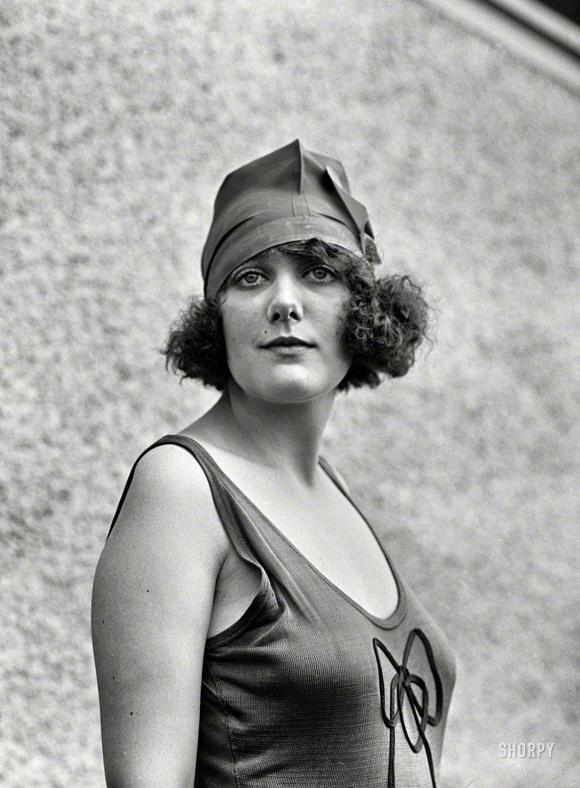 Queen Anna: 1922