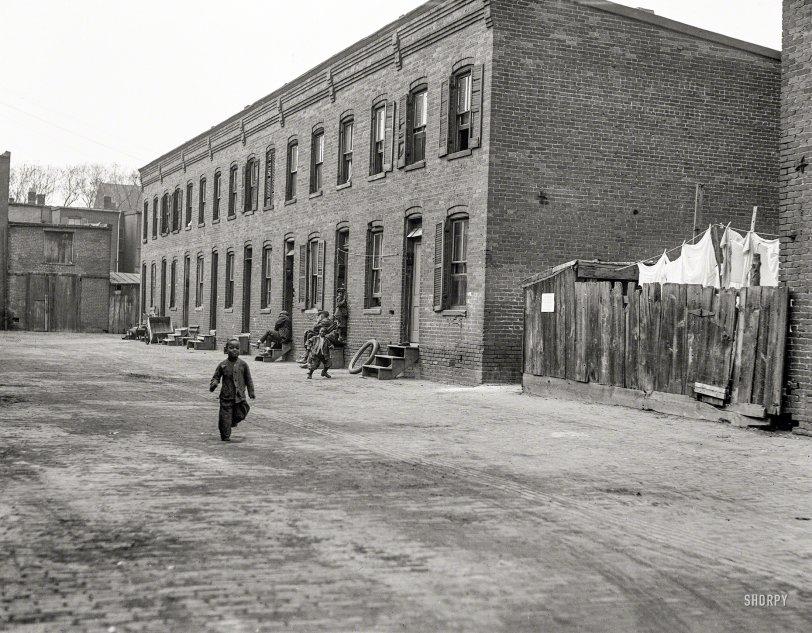 Washday Alley: 1923