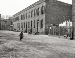 Washday Alley: 1923