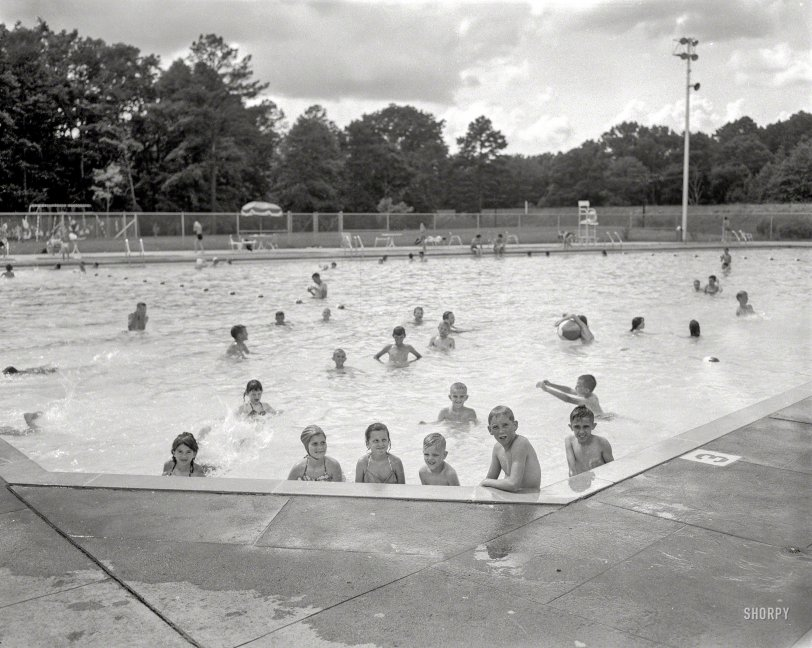 Public Pool: 1960