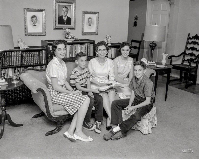 Good Neighbors: 1960