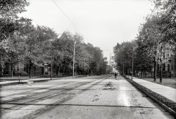 Down Woodward: 1900