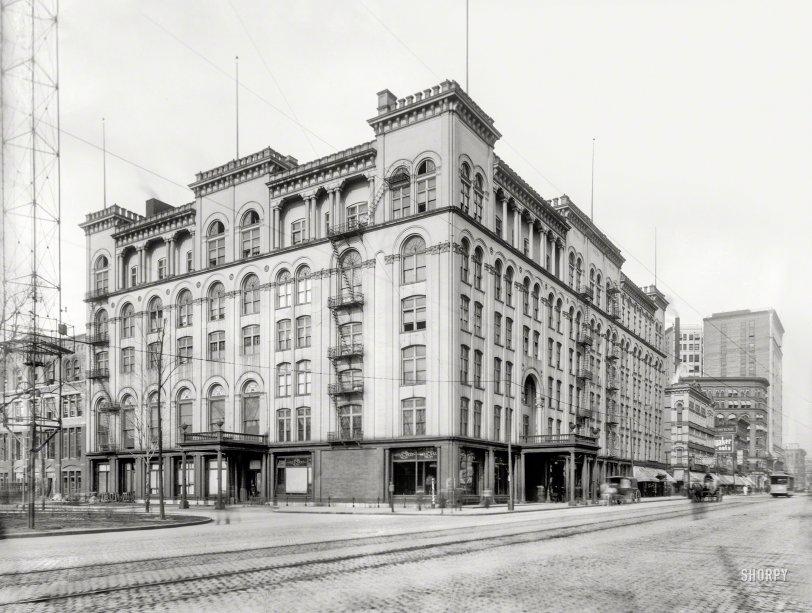 Hotel Cadillac: 1899