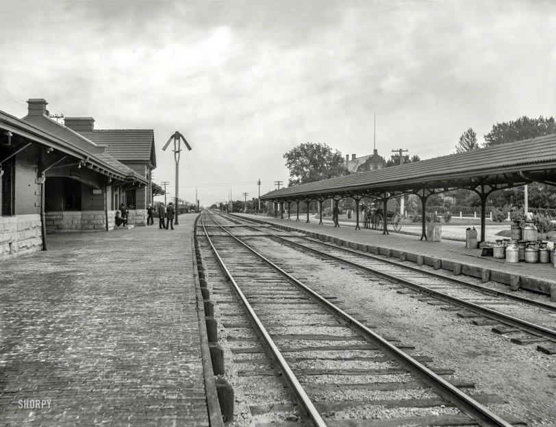 Elmhurst Depot: 1899