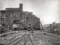Woodward Breaker: 1900