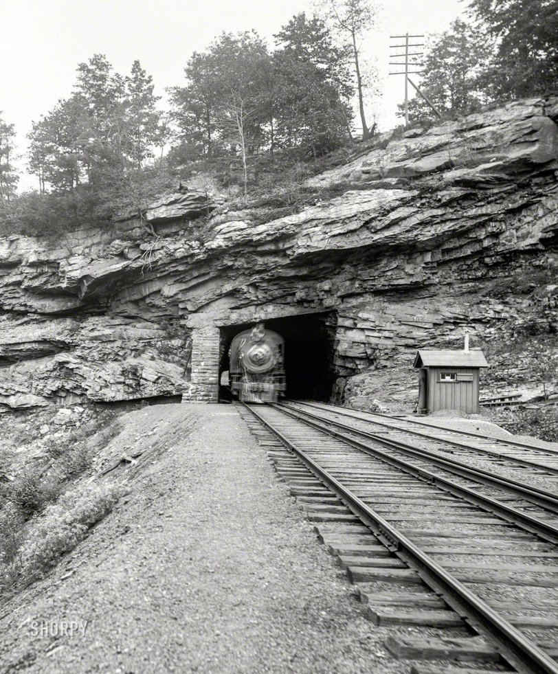 Nay Aug Tunnel: 1900