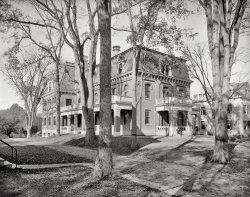 Chandler Hall: 1901