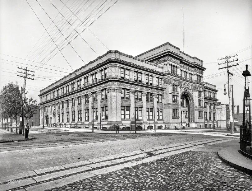 Edifice Drex: 1900