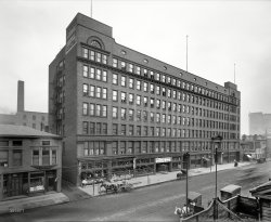 Colonial Cleveland: 1900