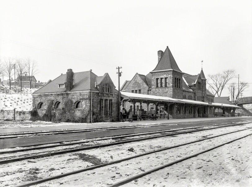 Snow Depot: 1900