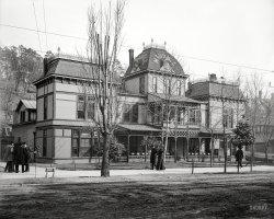 Goth Baths: 1900