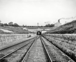 That Light in the Tunnel: 1900