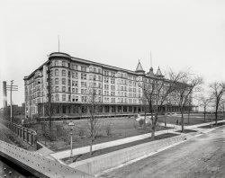 Chicago Beach: 1900