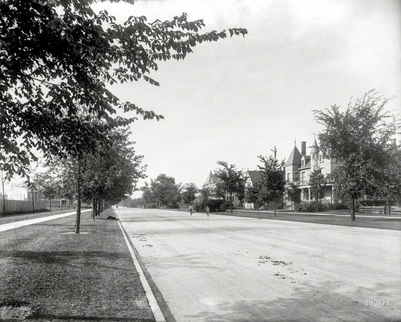 East Grand: 1902