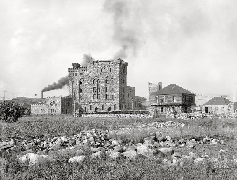 The Paper Castle: 1902