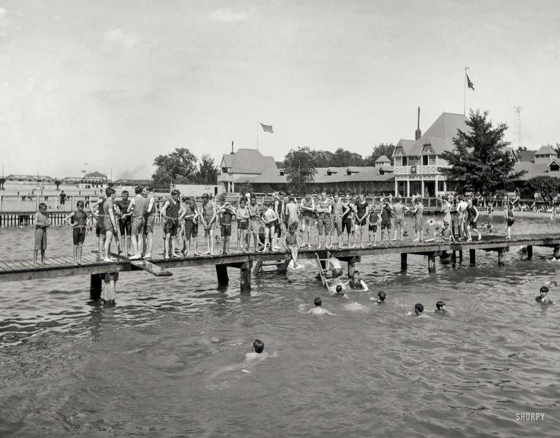 Guys and Docks: 1903