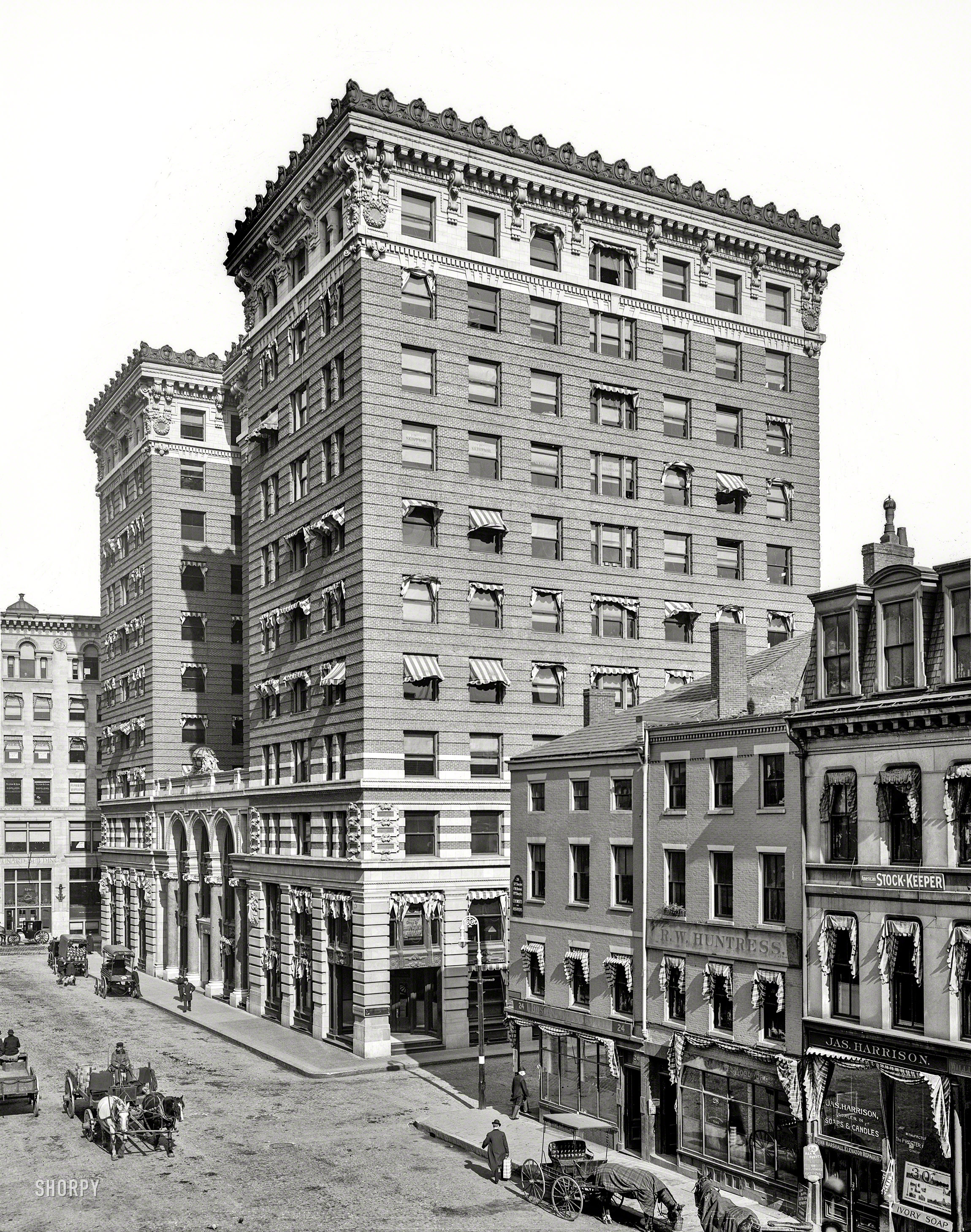 Shorpy Historic Picture Archive B Bot 1906 High