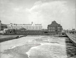 Seaside Casino: 1905