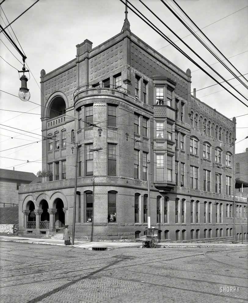 Six and the City Club: 1906