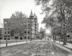 Newburgh Beckons: 1906