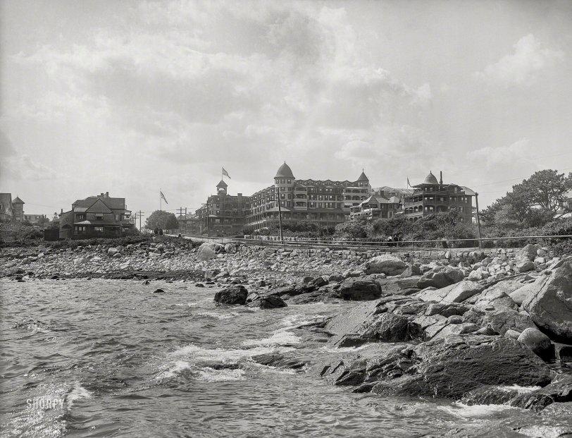 Resort on the Rocks: 1906
