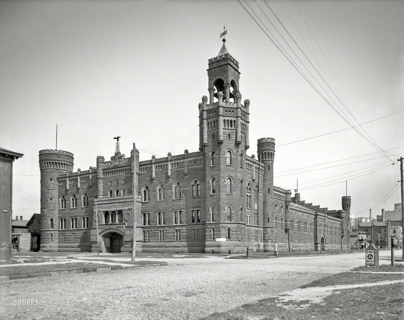 Central Armory: 1905