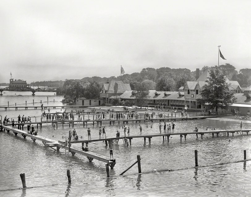 Belle Isle Bathers: 1910