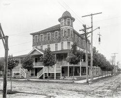 Severn Hall: 1907