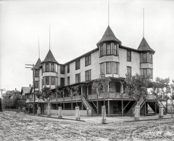 Inn of the Four Turrets: 1900
