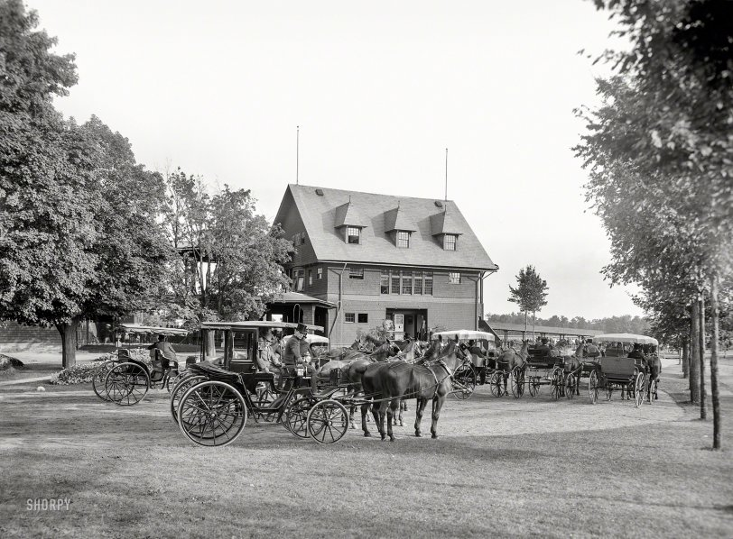 A Day at the Races: 1912