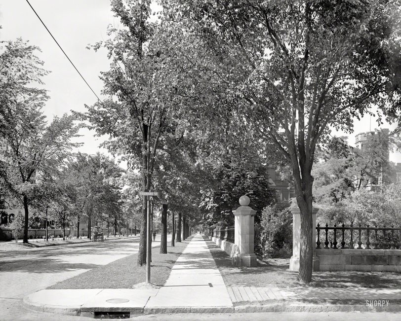 Trumbull at Brainard: 1900