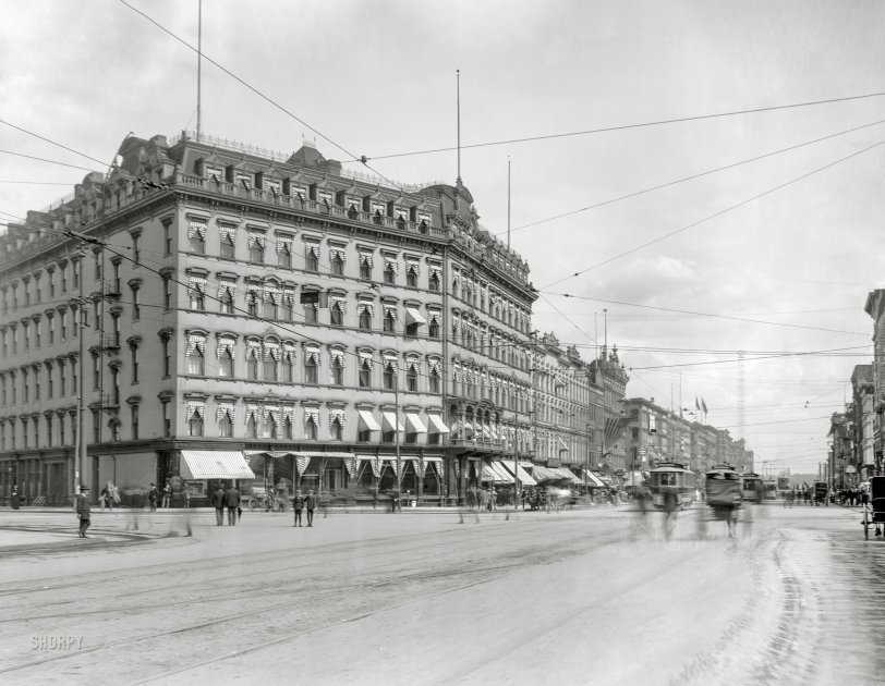Russell House: 1900