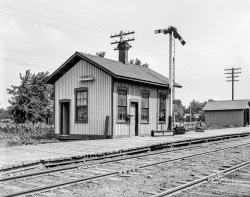 Cayuga Depot: 1901