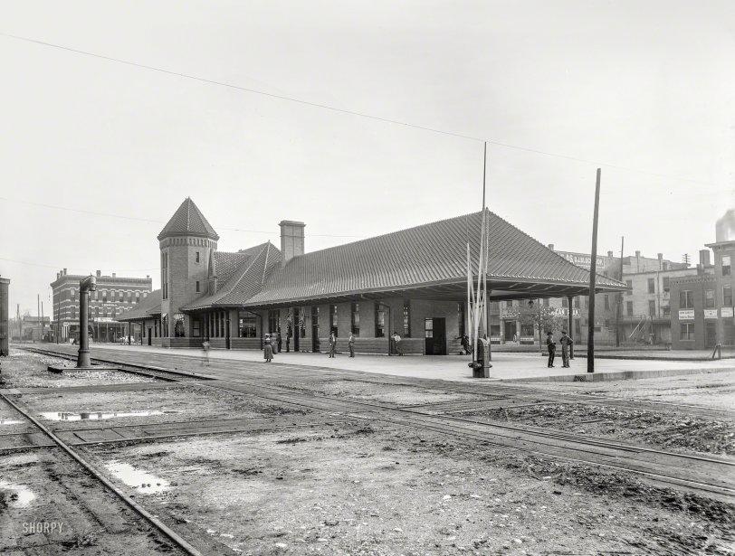 Springfield Depot: 1900