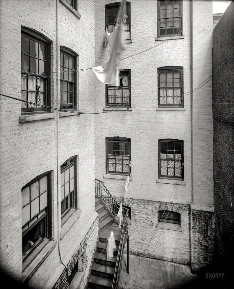 Washday Rigging: 1905