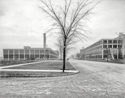 Packard Plant: 1911