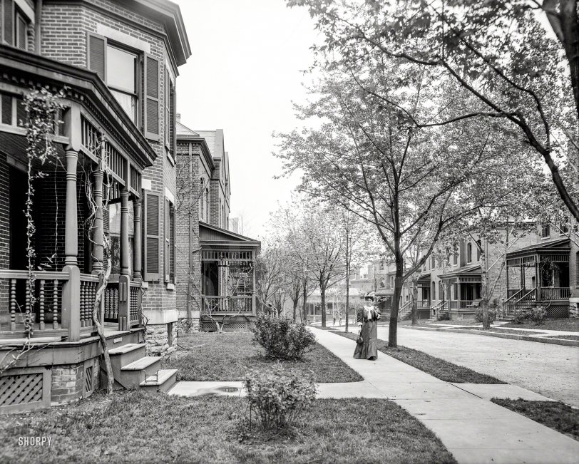 Officers' Quarters: 1907