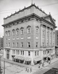 Street Smarty: 1908