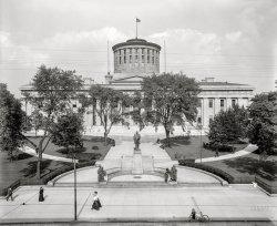 Capitol Square: 1910