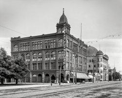 Howard Furniture: 1905