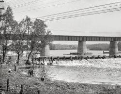 Dam Fishing: 1914