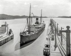Double Panama: 1915