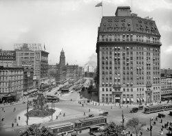 Cadillac Square: 1916
