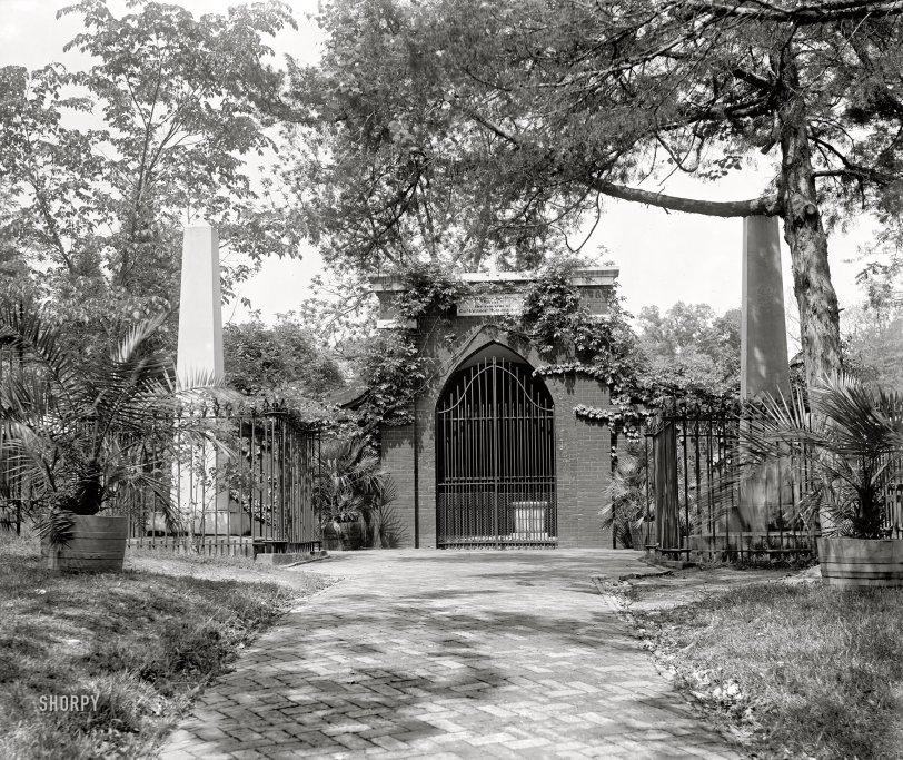 Washington's Tomb: 1902